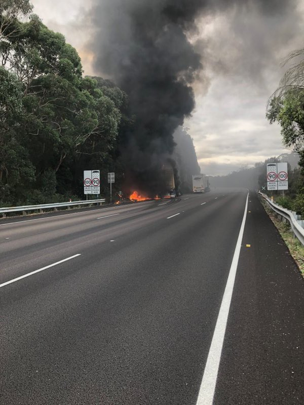 Firefighters from #NSWRFS and #FRNSW are on scene at a truck fire on the M1 at Mooney Mooney. North bound lanes are currently closed. No reported injuries. @LiveTrafficNSW