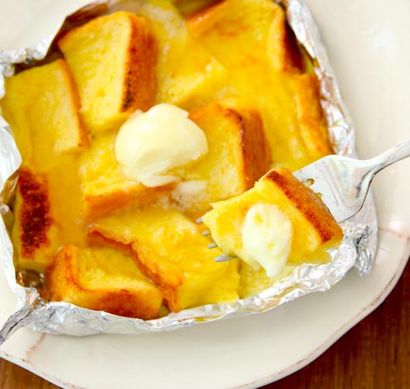 フレンチトーストは実は自分で作るのが最高なのでは…究極にとろふわなのが約10分で作れます。浸さなくてOK! 卵液絡めたら即焼けて中までしみしみです【即・しみふわフレンチトースト】食パン12等分し卵1個、砂糖大1/2、牛乳大4混ぜ絡めアルミホイルで包みバター5gのせ230度7分程トースト。