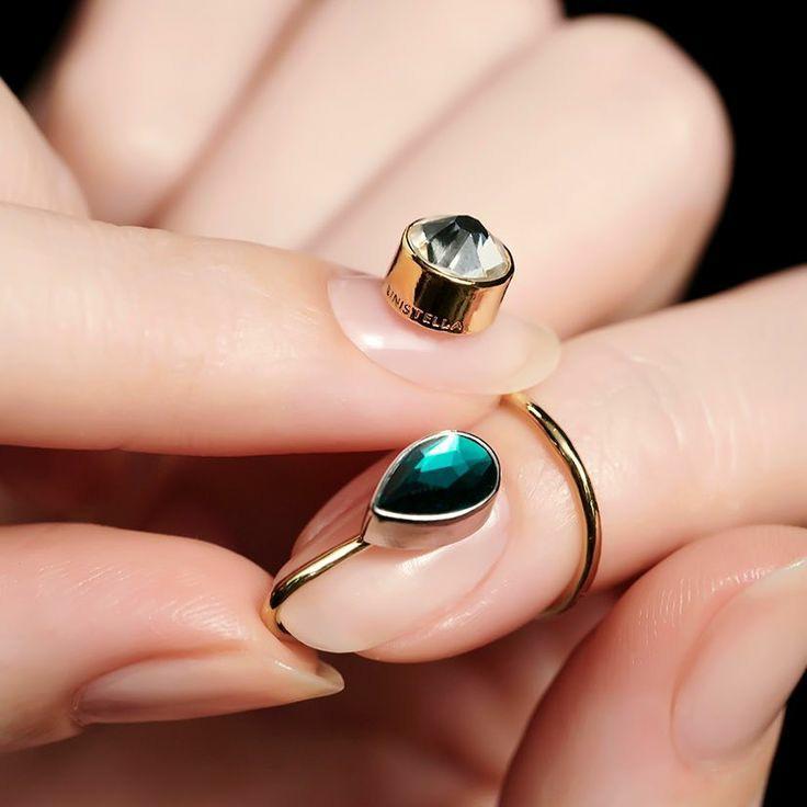 韓国のネイル&ジュエリーブランドUNISTELLAのネイルリング。ネイルリングというアイテムに妙にときめいてしまうのは文字通り「指の先まで囚われている」感があるからでしょうか。