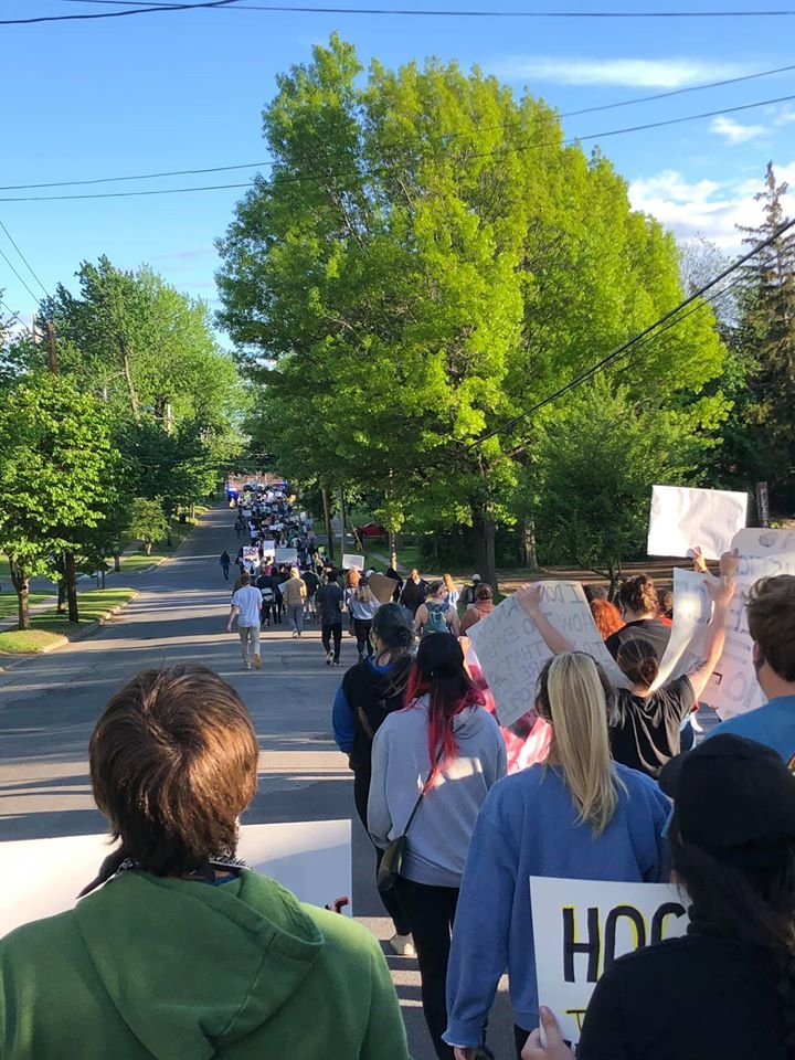@annehelen Potsdam, NY - small town less than 14k when colleges are in session; 800 protesters tonight. https://t.co/81nfsJj2Wg