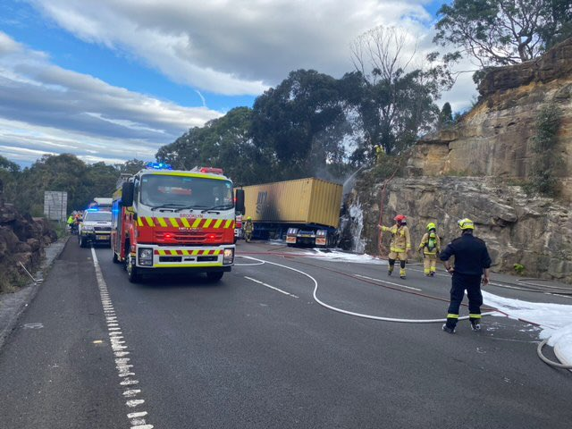 Update: Firefighters have extinguished the truck fire on the M1 near Mooney Mooney. The freeway does remain closed northbound and there is significant traffic delays. @LiveTrafficNSW #nswrfs #frnsw