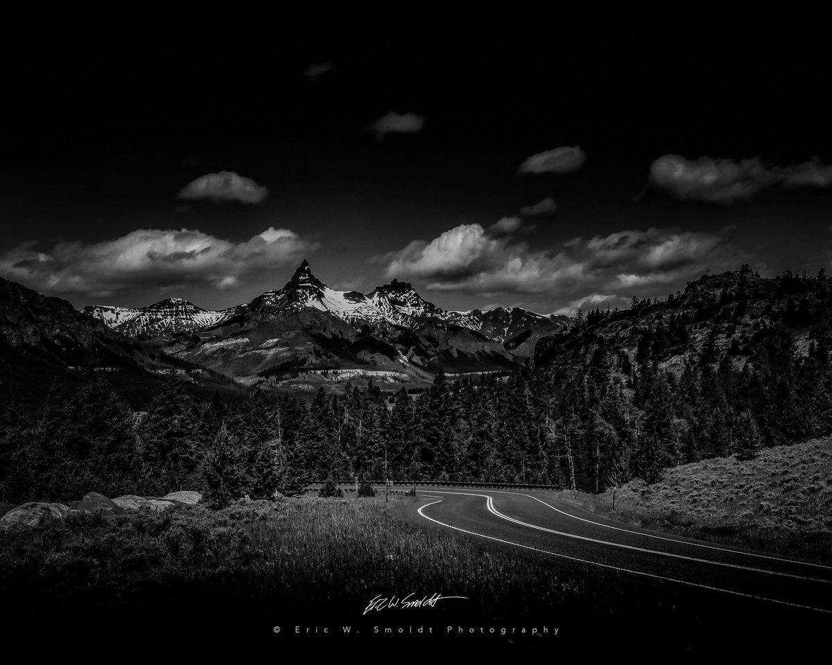 Wyoming Rockies Monochrome #blackandwhite, #bnw, #bnw_captures, #bnwlife, #bnwlovers, #canon, #ericsmoldt, #ericsmoldtphotography, #monochrome, #rockymountains, #wyomingpic.twitter.com/S37ClRsH8o