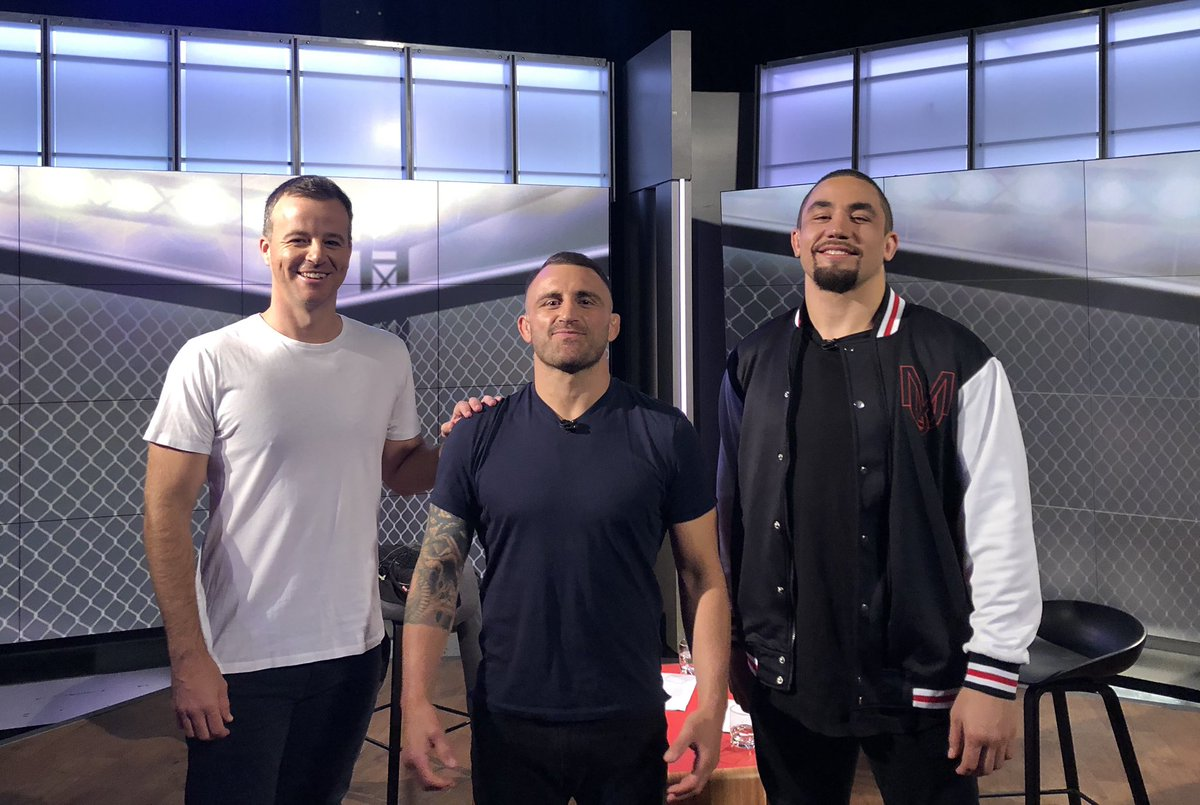 Thanks to @robwhittakermma @alexvolkanovski for looking after the newcomer on @ufc Fight Week. BS free zone from both of them about their upcoming fights and everything else going on, tonight 830pm and all week on @FOXSportsAUS in lead up to UFC250 https://t.co/symBcj92Dt