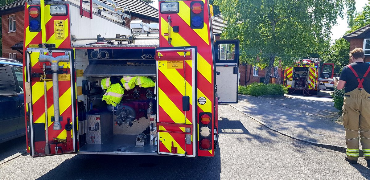 #SHOUT - TOC - 14.00 - FIRE DOMESTIC with @whitchurch06 Shed and fence fire had spread to the eaves and into the roof space, initial actions to prevent fire spread through the house followed by further assistance from @WinchesterStn30 #oncall #hfrs #herewhenyouneedus #community