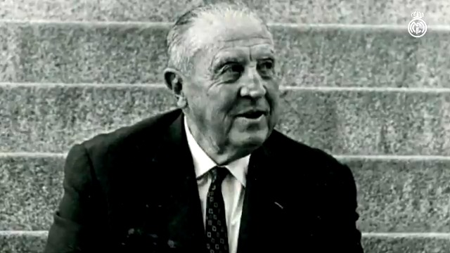 Forty-two years since Santiago Bernabéu's passing. #RealMadrid pic.twitter.com/V85byY1eSG