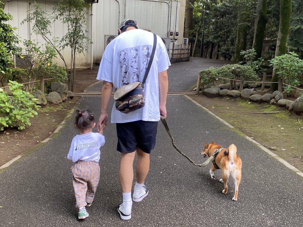 先生にお願いして、予定より早く退院しました!!家族に会いたすぎてもう限界でした!!家でしっかり休んで早く治します!!しかし、家帰ってくるなりずっと会ってなかったから、娘が飛びついてきて、その後、愛犬がすごい勢いで飛びついて来て、いきなり傷が痛みましたが、僕は元気です!!!