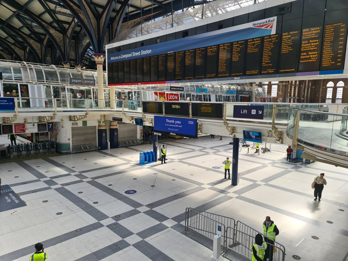 Good morning from Liverpool Street! It was another early start for us this morning! Dont forget there are a number of hand sanitising points around the mainline and underground concourses. And you can get a free facemask from the tables located by the information point