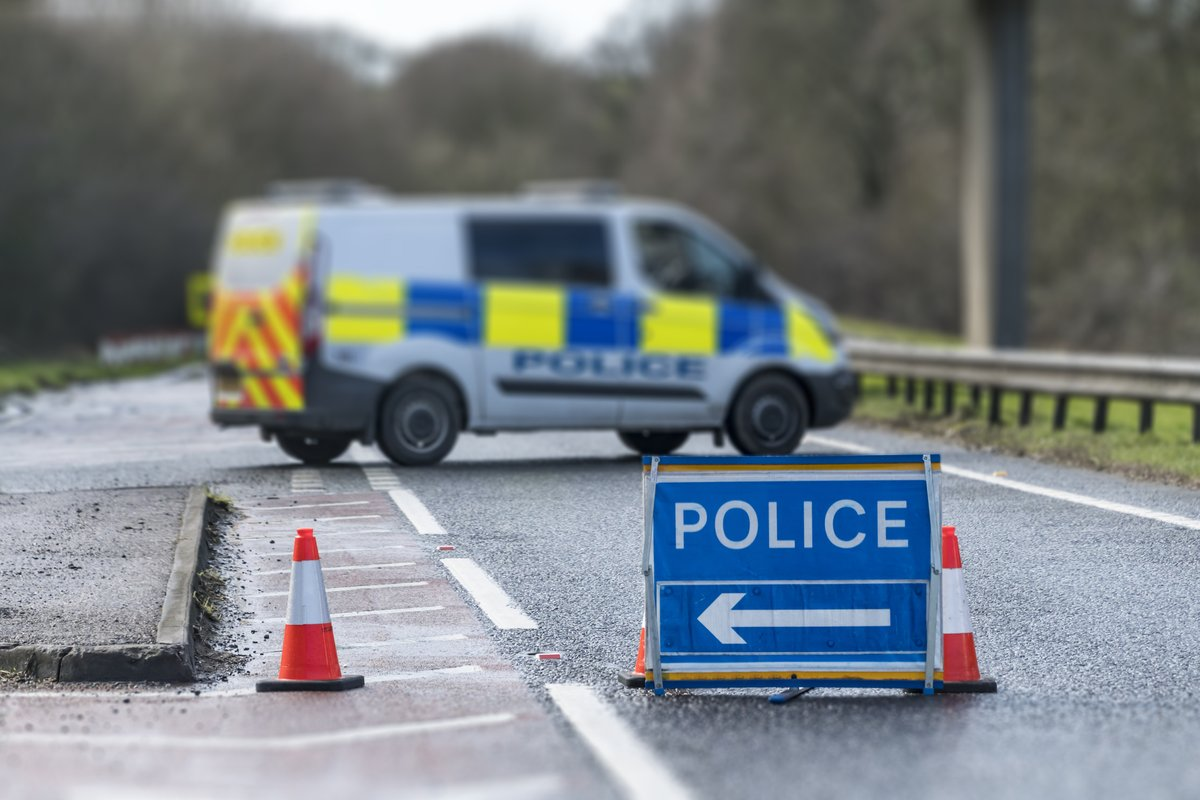 Man dies in hospital after being seriously injured in three-car crash in Bradford: bbc.in/3drFeUm