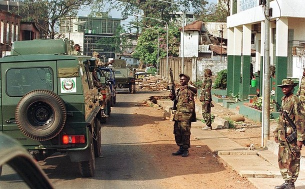 #ondisday #2June 1997, Nigerian forces attacked Sierra Leone's capital, #Freetown, in an apparent and feeble attempt to drive out coup leaders who took over the country on #25May; after talks between the coup leaders and Nigeria broke down. The only casualties were civilians. https://t.co/e7IuPRQ6p5