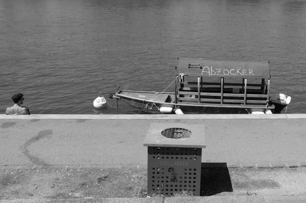 #dogwalk #basel #bnw #bnwphotography #bnw_greatshots #bnwmood #ricoh #ricohgr3 #ricohgriii #monochrome #monochromephotography #blackandwhite #blackandwhitephotography #streetstyle #street #streetphotography #rhein #boat #river https://instagr.am/p/CA7u1iQlQr5/pic.twitter.com/aWI6UWUAvi