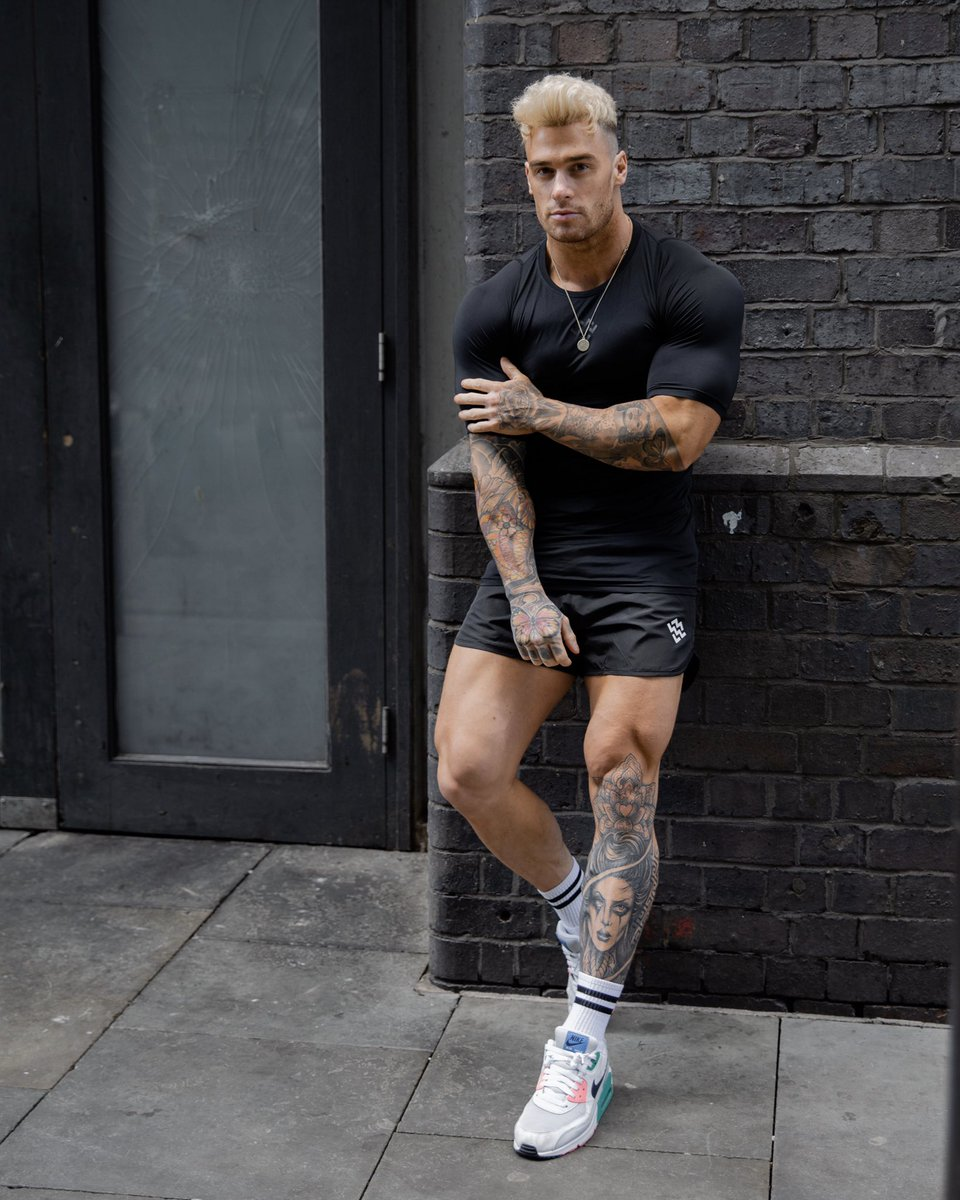Built for Performance 💪#TrainLikeAMachine  Shop the look featuring our Rush Base Layer T-Shirt (Black) & Hybrid Gym/Swim Shorts (Black) all sizes back in stock and available in a variety of colours ways.  https://t.co/UmNYEMmXqg  #MachineFitness https://t.co/pYhzS6AyhW