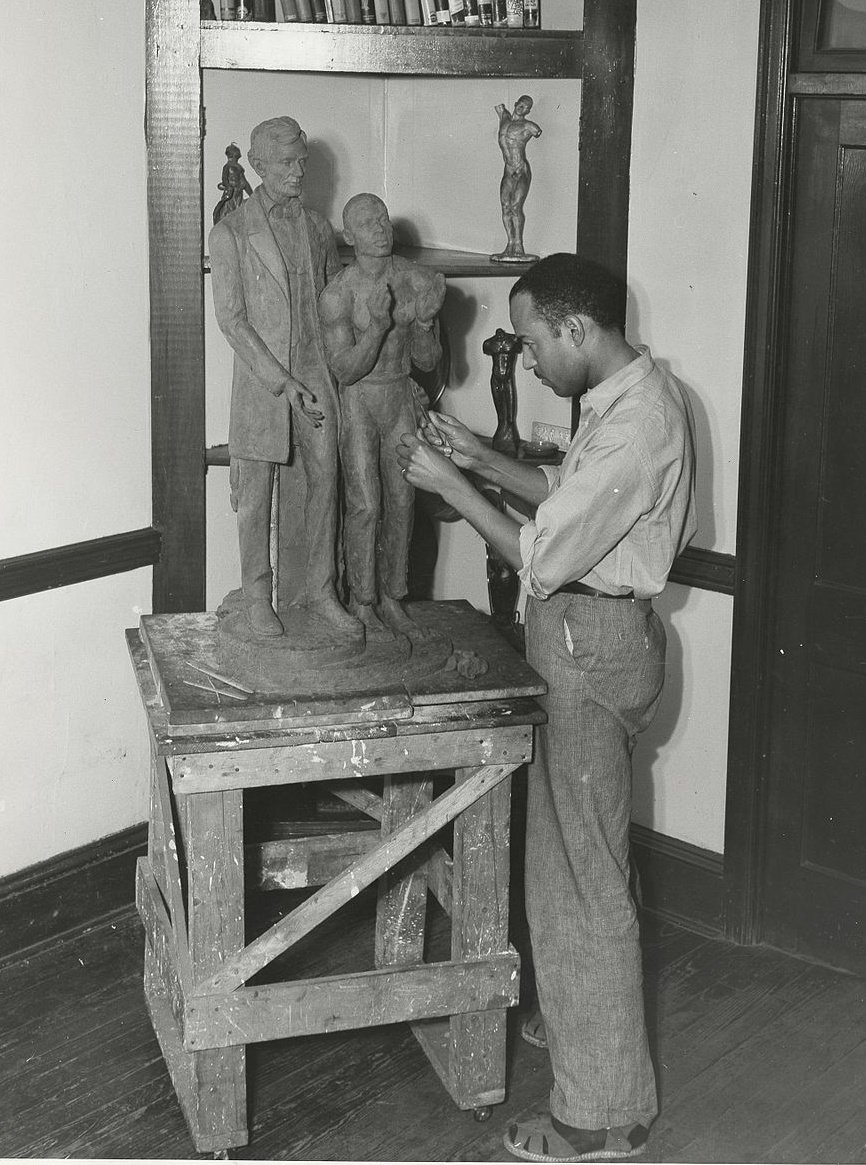 Richmond Barthé (1901-1989)  Harlem Renaissance sculptor, best known for his portrayal of black subjects. The focus of his artistic work was portraying the diversity and spirituality of man.  #BlackOutTuesday #Artist pic.twitter.com/VLsjOTOqSH