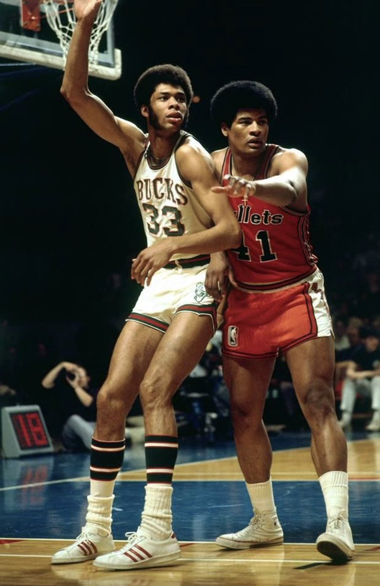 Condolences and prayers to Nuggets assistant coach Wes Unseld, Jr., on passing of his @Hoophall member father Wes Unseld after lengthy health battles. One of the NBA's greatest rebounders spent his entire NBA career with the Bullets where he was a star player, coach and executive https://t.co/1jaP19oCbm