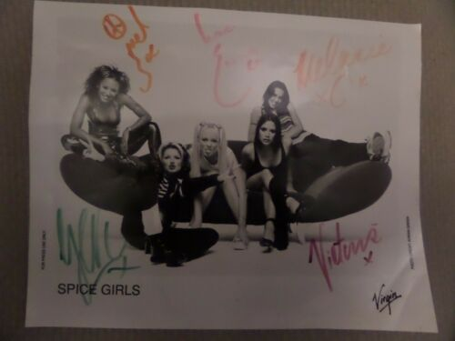 Signed  Picture  https://t.co/4K5ZJt07Zx  #SpiceGirls https://t.co/myhPrwayZS