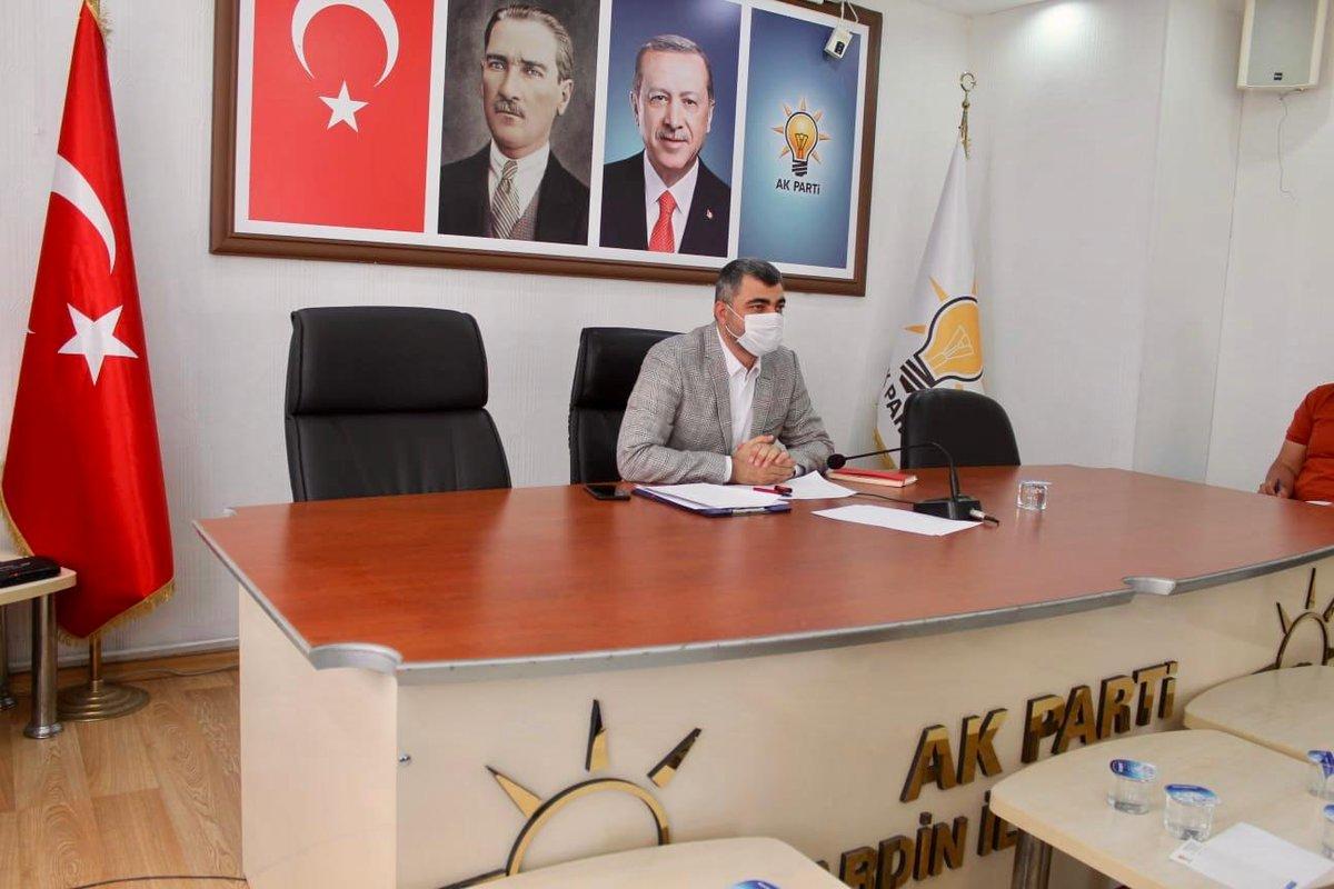 Cumhurbaşkanımız ve Genel Başkanımız Sayın Recep Tayyip Erdoğanın başlattığı gönül seferberliğini bizlerde destekleyerek, İl Başkanımız Sayın #FarukKılıç Başkanlığında maske, sosyal mesafe ve hijyen kurallarına uyarak İlçe Başkanları Toplantısını gerçekleştirdik. Hayırlı olsun.
