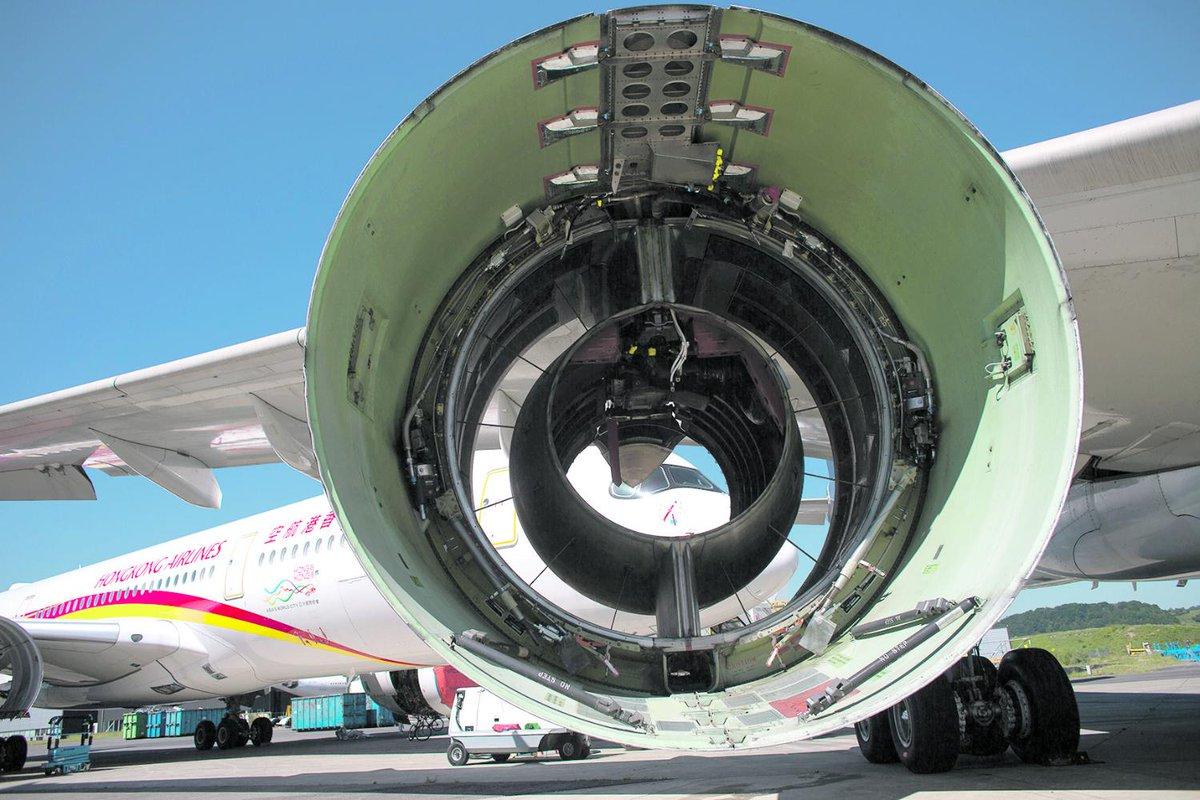 Depuis le Covid-19, la société Tarmac soccupe des avions tombés du ciel lejdd.fr/Economie/depui…