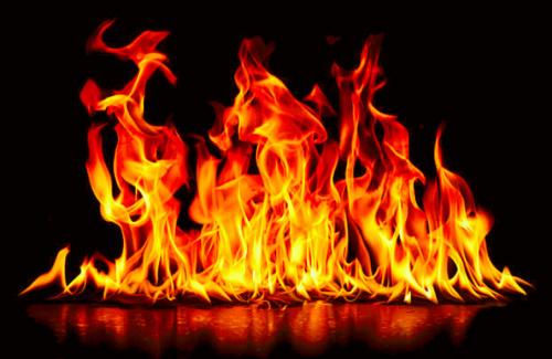 Le stockage illicite de produits pétroliers provoque des incendies et un décès dans deux villes https://t.co/xeS3Qi9lTa https://t.co/ipZ8dvXqdi