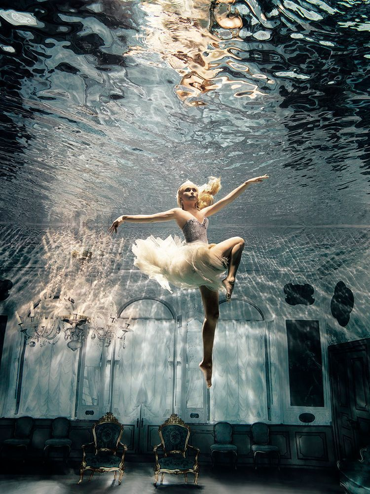 To write something, you have to risk making a fool of yourself. Anne Rice #amwriting #storyteller #writerslife #writing #film #Art Sorensenpic.twitter.com/vBpOLdr8Ak