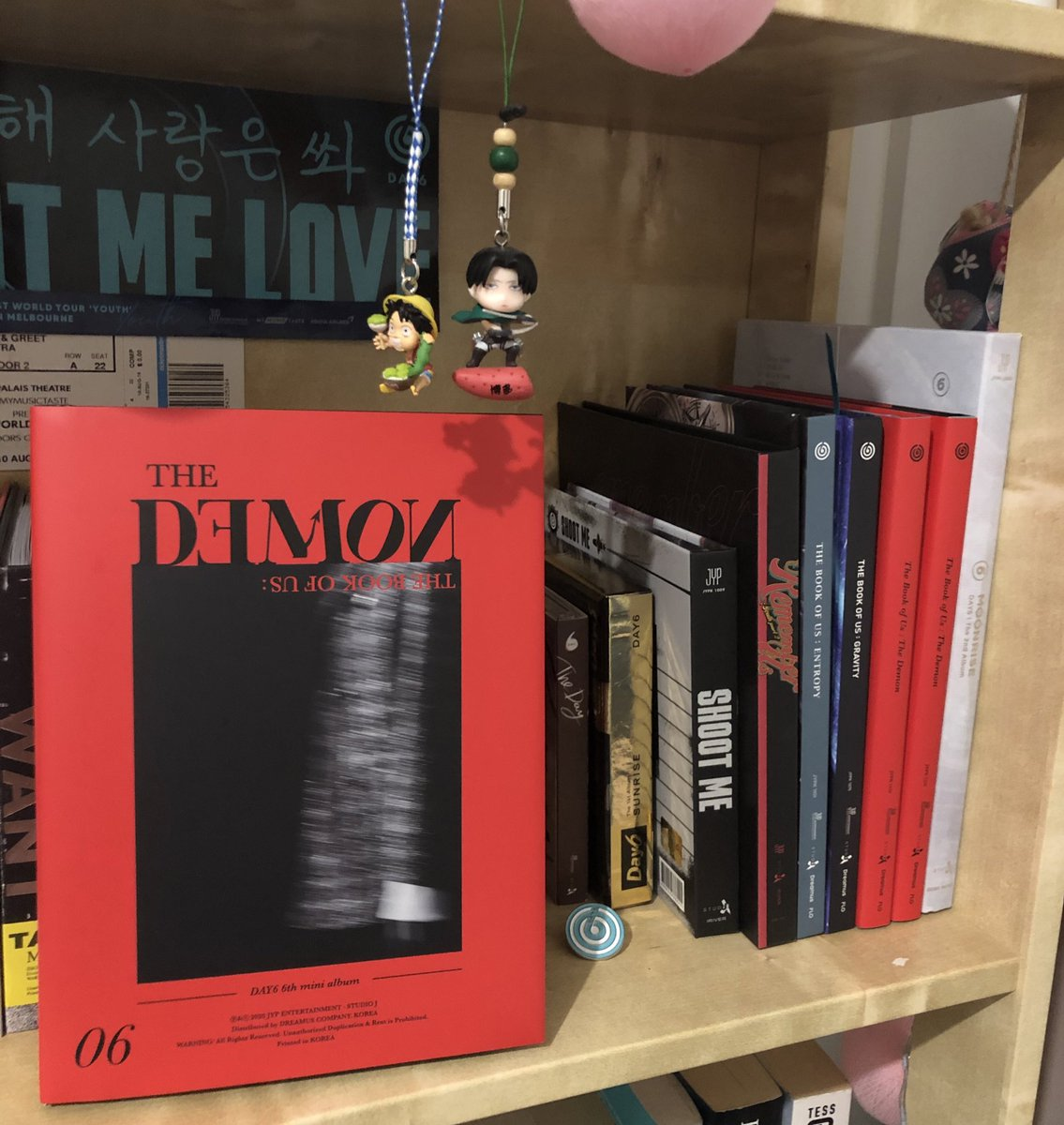 """DAY6 - The Book of Us: The Demon Album Giveaway  #Day6    (pc + bookmark + postcard included)  How: - Like and retweet this tweet! - Follow me! - Answer by mentioning """"Why should people listen Day6?"""" - Open worldwide! - End: 1st of July!   Good luck!!<br>http://pic.twitter.com/2XP4KCdF7F"""