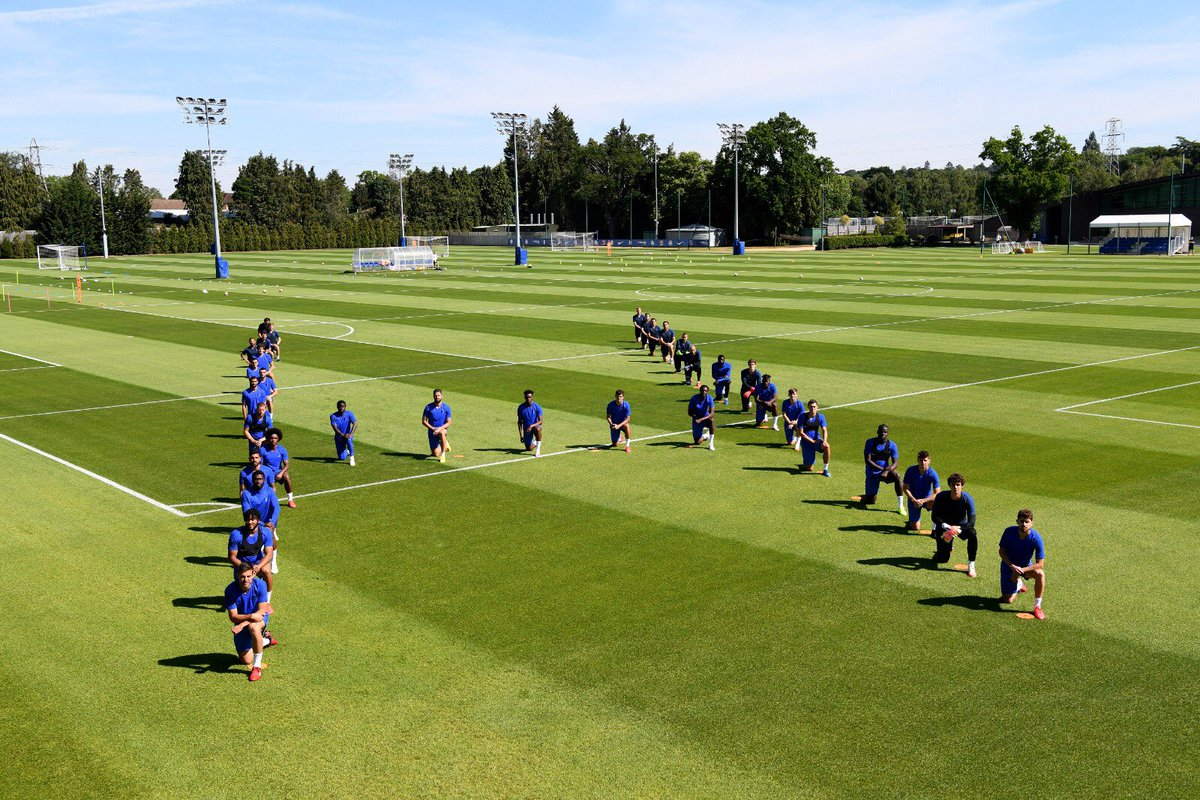 Before training at Cobham this morning, the Chelsea players and coaching staff formed the letter H, for humans, and knelt in a show of support for the #BlackLivesMatter movement. https://t.co/yI6kAywa93