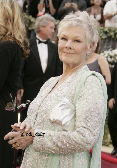Day 1691 Academy Awards, 2006 Photographer: Robyn Beck #JudiDench #AcademyAwards #Oscars pic.twitter.com/PxEZdU10Yb