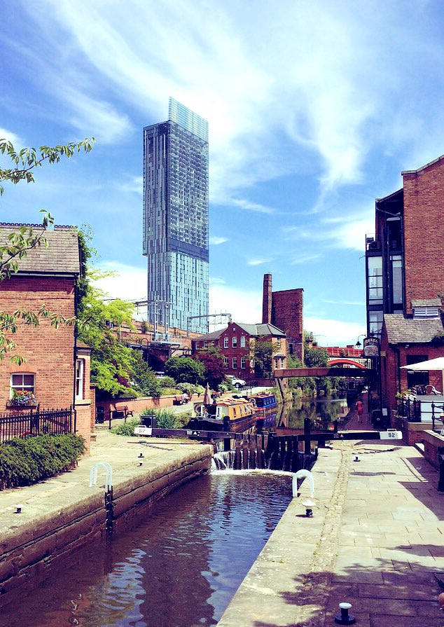 I miss this view, standing outside, having a beer and just enjoying the sun! @dukes_92 #MCR #Castlefield