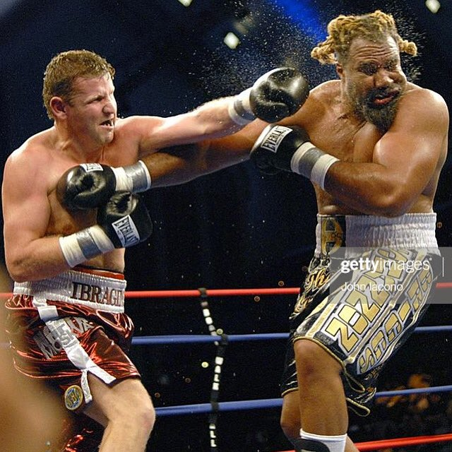 #OnThisDay 13 years ago Sultan Ibragimov, facing a height, reach and weight disadvantage, defeated Shannon Briggs for the WBO heavyweight title. He would defend it once against Evander Holyfield before being shutout by Wladimir Klitschko a year later. #boxing #MonteroOnBoxing