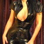 Image for the Tweet beginning: Puedo verte  #Femdom  #Latex   #Domina  #BDSM