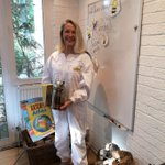 Mrs Hunter returning from inspecting the #Bee hives in readiness for her Year 1 Busy Bees action verbs #Zoom lesson. #beekeeping #englishgrammar #NewBeaconAtHome #remotelearning @britishbee @beekeepingkids @YoungBeekeepers @Bees @bbceducation