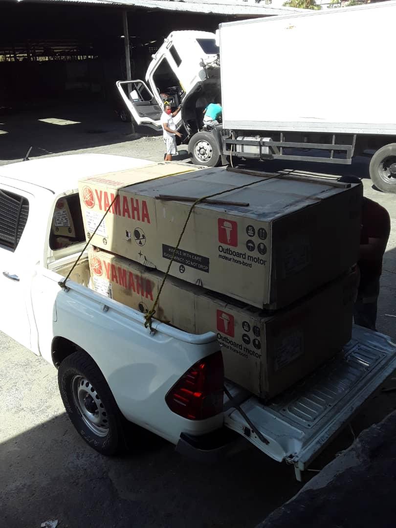 En el marco del convenio Armada Bolivariana/Ministerio del Poder Popular Pesca y Acuicultura, la @ArmadaFANB recibe dos motores fuera de borda para aumentar su nivel de Apresto Operacional y seguridad en los espacios acuáticos https://t.co/MHY1hcmfmn