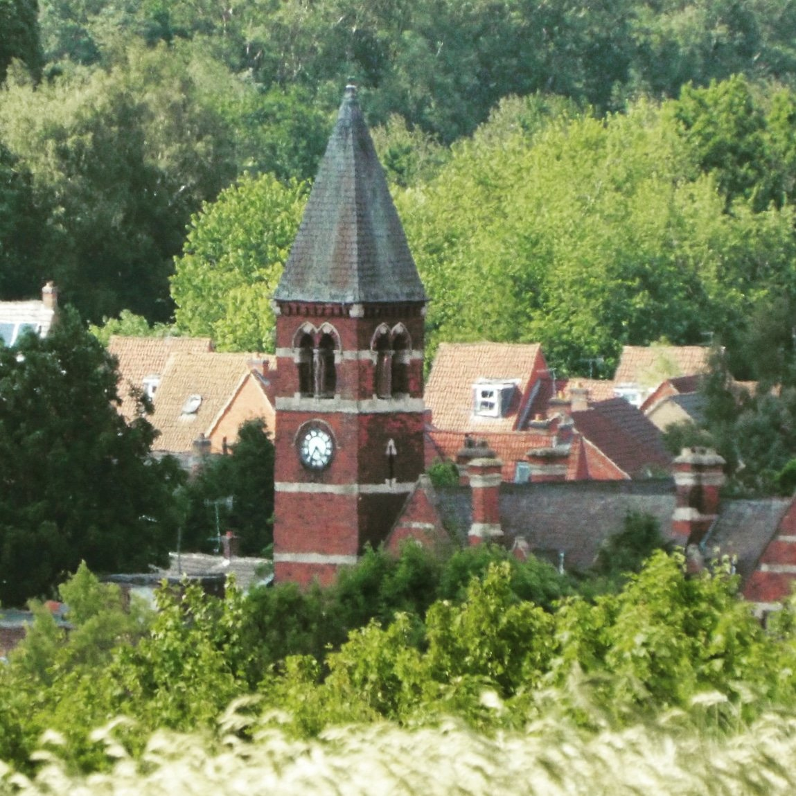 The clock tower in Bestwood village taken from Bestwood Country Park. #Nottingham #Nottinghamshire #lovenotts #bestwood pic.twitter.com/kOTYJFLl5h