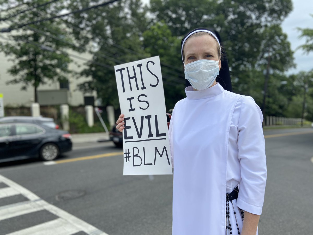 """""""I just felt like my presence here might remind some people what Christian faith is supposed to tell us about ... being on the side of the oppressed."""" Quincy Howard, Dominican nun in DC https://t.co/u7l5E2EXSV"""