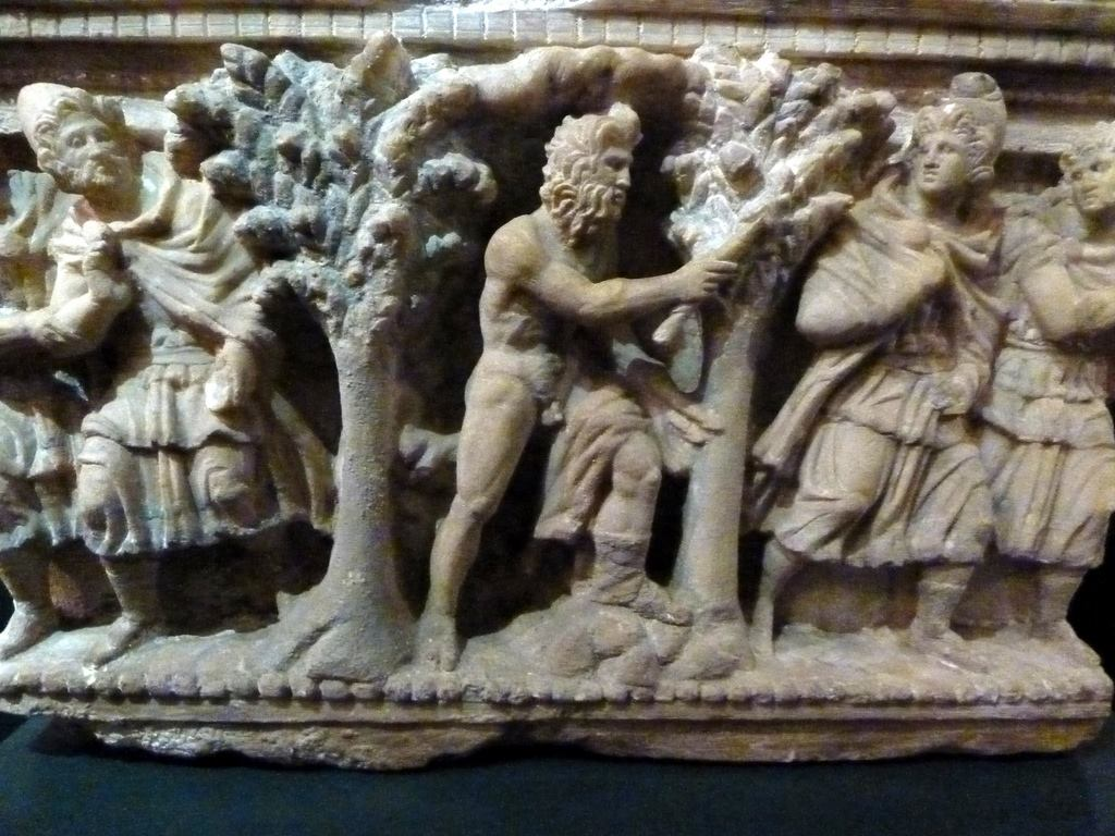 Museo Etrusco Guarnacci. Etruscan cinerary urn (alabaster). Ulysses and Philoctetes on the island of Lemnos. #art pic.twitter.com/R1qMz0XyIh