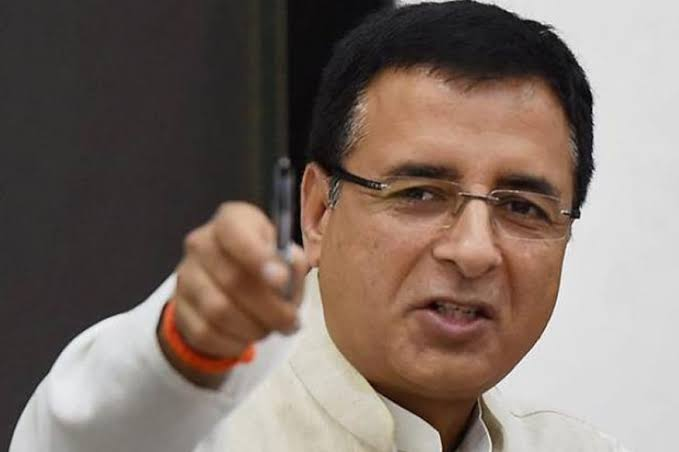 Warm birthday greetings to former cabinet minister in Haryana Govt. , Former @IYC chief , AICC in-charge communication and media department Shri. @rssurjewala ji. May Almighty grant you with good health & happiness.pic.twitter.com/oDXm4H2o5o