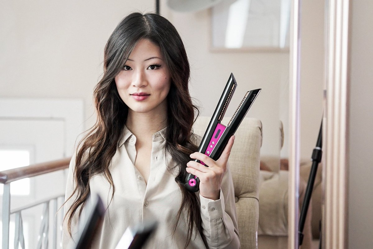 Are you curious about the new hair styling tools from @Dyson ? Rae (@theNotice) just reviewed the new Dyson Corrale. You will learn a lot about this product from her detailed article and instructive video. And if you have questions, leave her a comment https://t.co/5yM3w4czeD https://t.co/dtgGk3UqcB