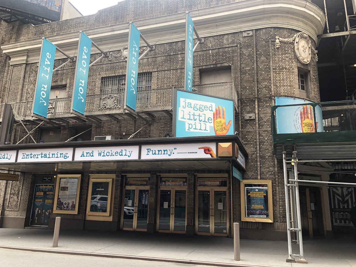 #Broadway venues appear to be untouched pic.twitter.com/TLqR205VSE
