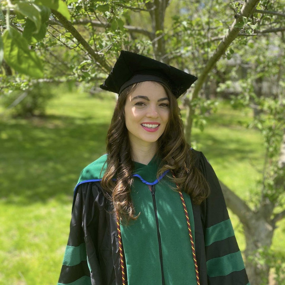 Mercy High School On Twitter On May 16 2020 Dr Genna Marcin 2012 Alumna And Valedictorian Graduated From The University Of New England College Of Osteopathic Medicine In Biddeford Maine She Earned