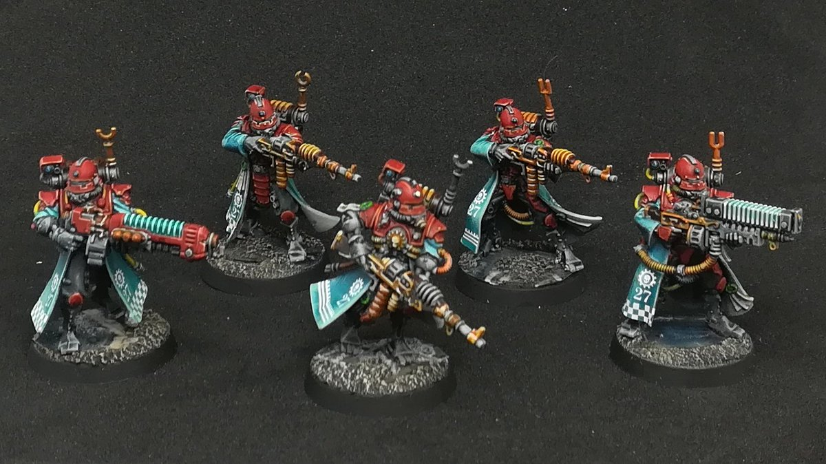 Long abandoned Skitarii kill team painted at last! Probably won't use these if I commit to a full army, but useful none the less!  #painthammer2020 @JewelKnightJess #WarhammerCommunity @WarComTeam https://t.co/lJctZH5Mev