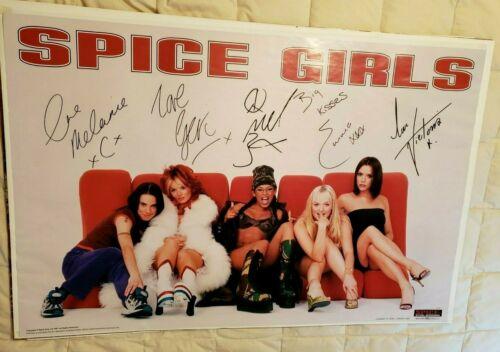 Poster Melanie C, G Halliwell, Mel B, Emma Bunton, V Beckham  https://t.co/xp7sBUXh2V  #SpiceGirls https://t.co/8MC3qrP1d5