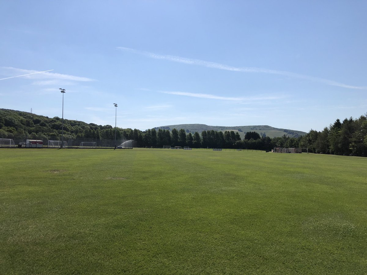 Fair play to our top class grounds team for maintaining our @USWSport Park to a superb level  Could do with some rain to help water the pitches  #USW #Lockdown pic.twitter.com/XCPHxvajYE