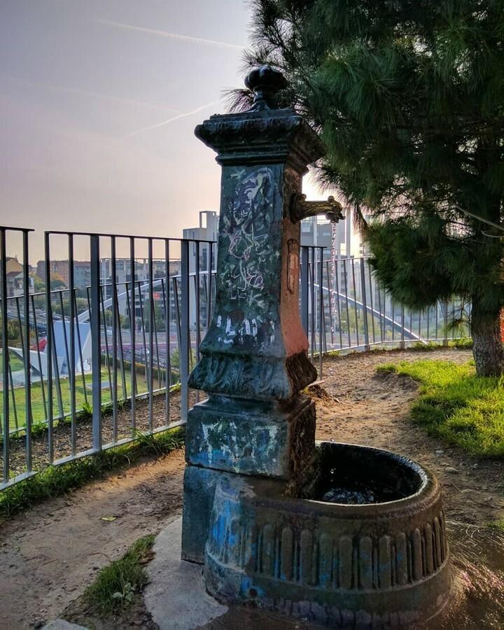 @m.delto #vedovelle #draghiverdi #fontane #fontanemilano #fontanelle #fountains #cityphotography #streetphotography #milanomia #milanoforever #loves_milano #milanopersempre #milano_forever #milanopersempre #bestmilanopics #milano_bestphoto #milano_pics_c… https://instagr.am/p/CA8kDxkjc6i/pic.twitter.com/BsKHAtcO94