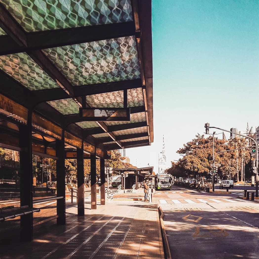 """""""Lo que una vez disfrutamos, nunca lo perdemos. Todo lo que amamos profundamente se convierte en parte de nosotros mismos""""/// . . . #citybreak #streetphotography #streetlife #cityphotography #cityscape #mobilephotography #urbanlife #streetview #Argentinapic.twitter.com/AUKfa54da8"""