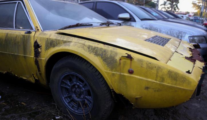 Desde então, permanece sob sol e chuva aguardando uma definição da Justiça. Segundo Prefeitura de Santo André, custo das diárias relativas à Ferrari passa de R$ 100 mil. https://t.co/l9HbEYiACU