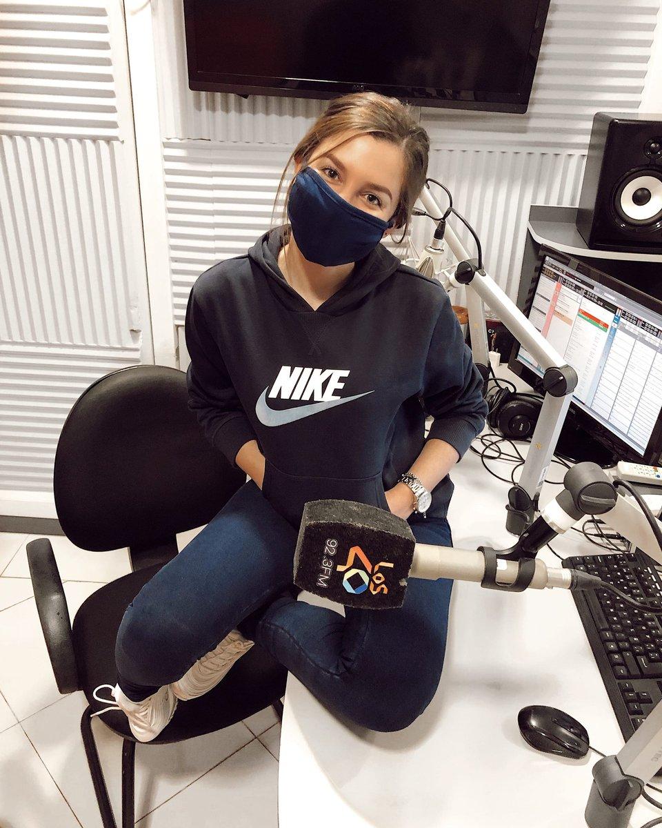 """📢 #OnAir #MovimientoLos40 por #Los40Paraguay✌🏻🎶  ➡️ The Weeknd dona más de 10 millones de pesos a la causa de """"Black live matter""""   ➡️ Dark estrena tráiler de su tercera y última temporada.   ⏲️#Poné923, @faduahuespe te acompaña de 18 a 21 horas.   ¡Sumate! 🎚️🎧. https://t.co/ydZtEohTRp"""
