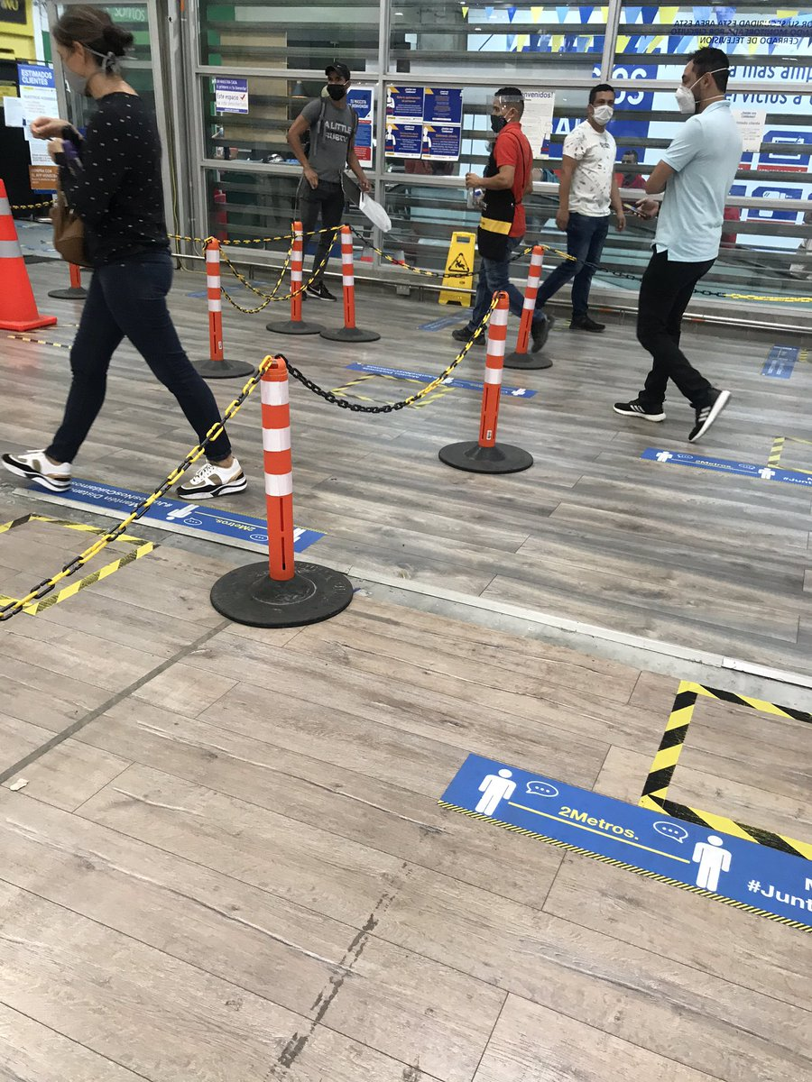 Went out today! 1st X in a store, since March 16th. Folks did a decent job of distance (aisles were NOT 1- way) Everyone was wearing a mask  no problem! Checked ID to make sure it was our day to leave flat, took temps, and registered ID # for contact tracing. #medellin pic.twitter.com/OcAsaX17BT
