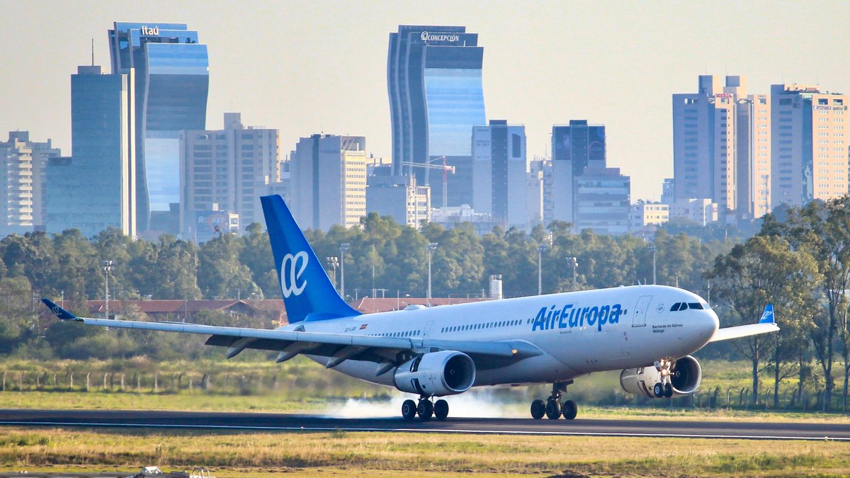 Shot with Canon 60D Date: Aug 28th, 2018 A330-243 (EC-LQO) Operated by Air Europa 📸: Me :D • • #Planespotting #aviationlover https://t.co/gzxfQ0yexA