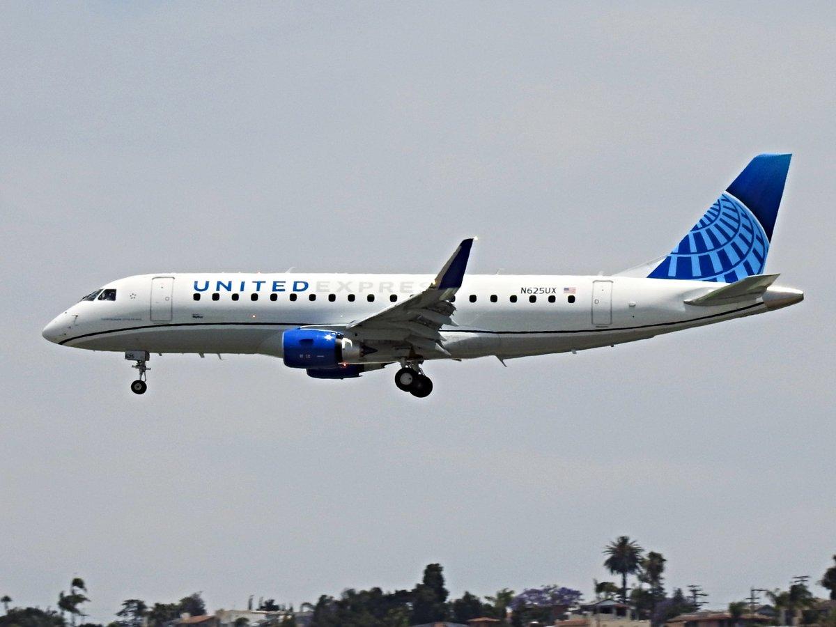 N625UX Embraer ERJ 175 operating as SkyWest OO5406 (United Express) landing KSAN runway 27 on 2 June 2020. #avgeek #planespotting https://t.co/KrbR8oQQIJ