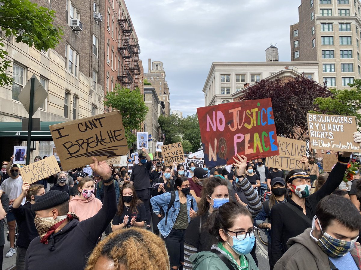 Once again today, @sramosABC and I saw peaceful protesters all around Manhattan