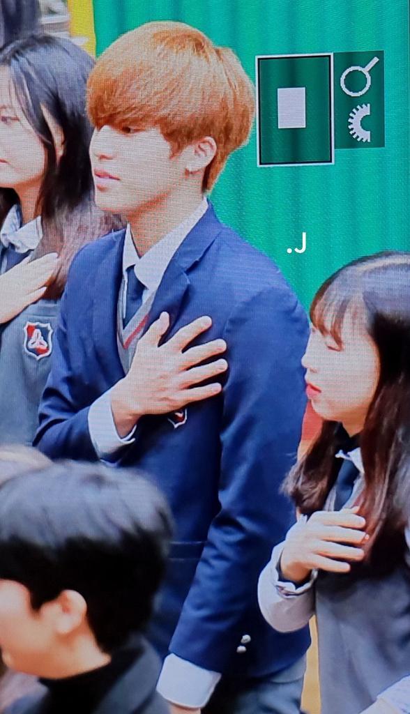 jeongwoo really looks good on his school uniform ♥