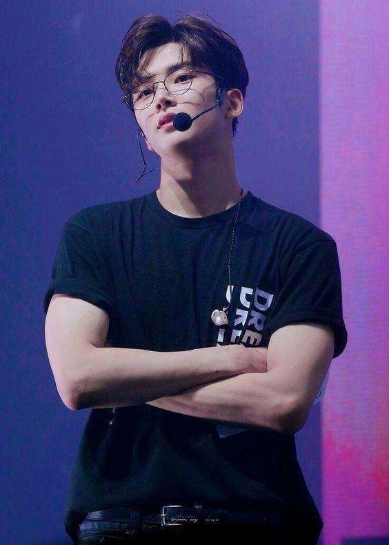 Am i the only one🎤  #kpop #sf9 #rowoon #kimrowoon #kimseokwoo #seokwoo #ExtraordinaryYou #lfl #fff